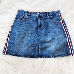 Dynamite denim side stripe skirt size Medium